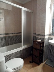 Main_bathroom2