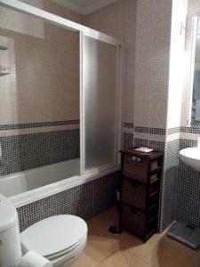 Main_bathroom2